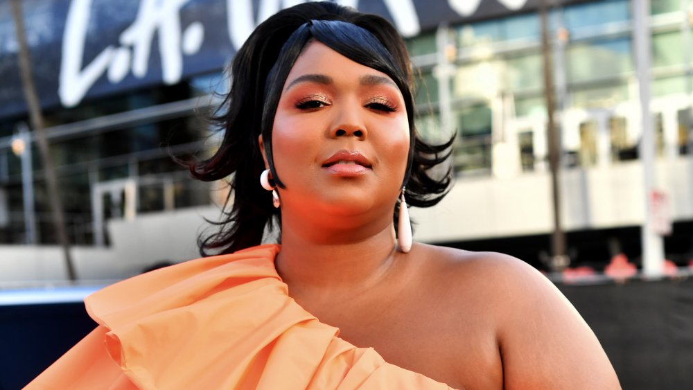 Lizzo attending the 2019 American Music Awards