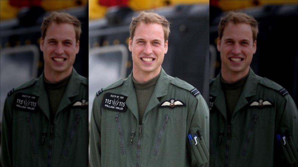 Le prince William pendant son cours de formation sur l'hélicoptère militaire