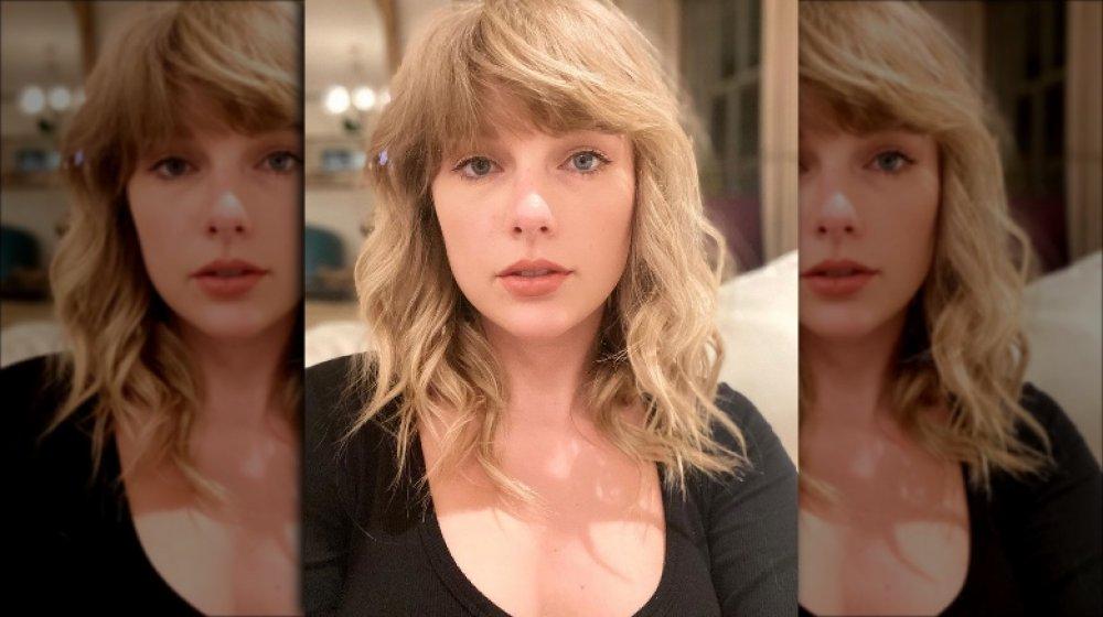 Auteur-compositeur-interprète Taylor Swift