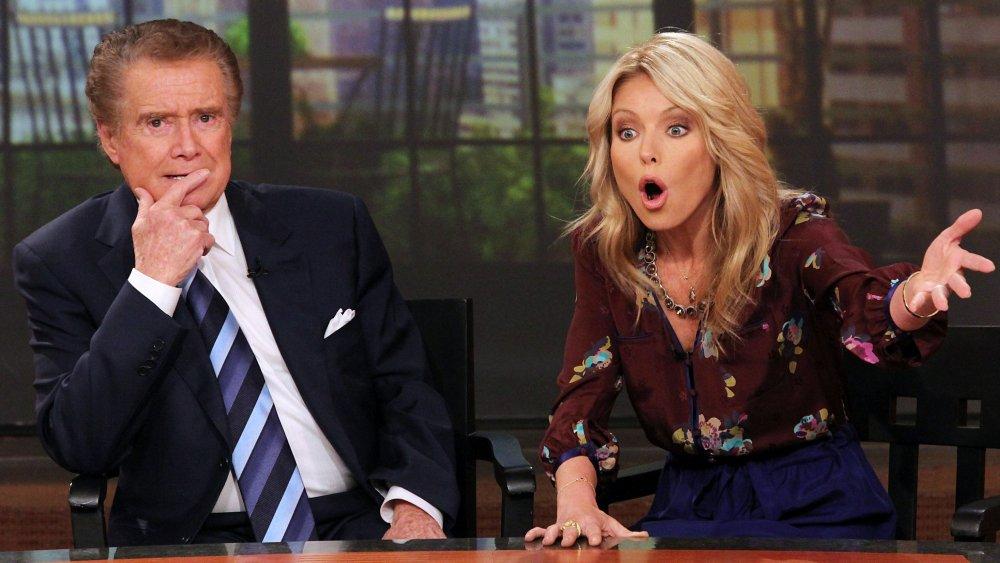 Regis Philbin et Kelly Ripa dans un épisode de Live! avec Regis et Kelly