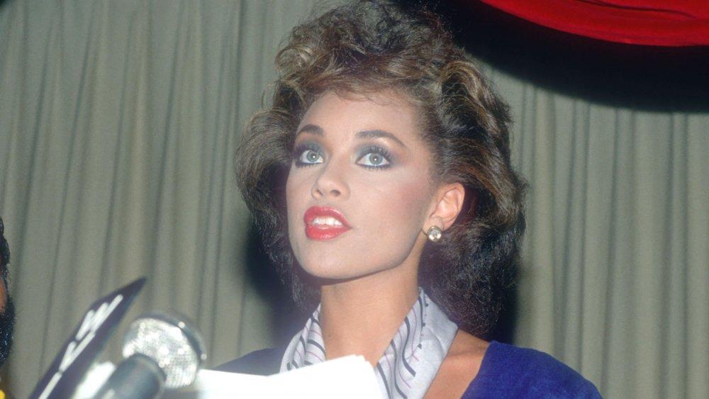 Vanessa Williams lors de la conférence de presse annonçant sa démission de l'organisation Miss America