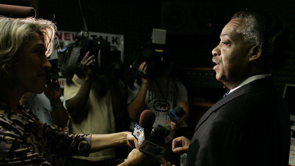 Al Sharpton s'adressant aux journalistes