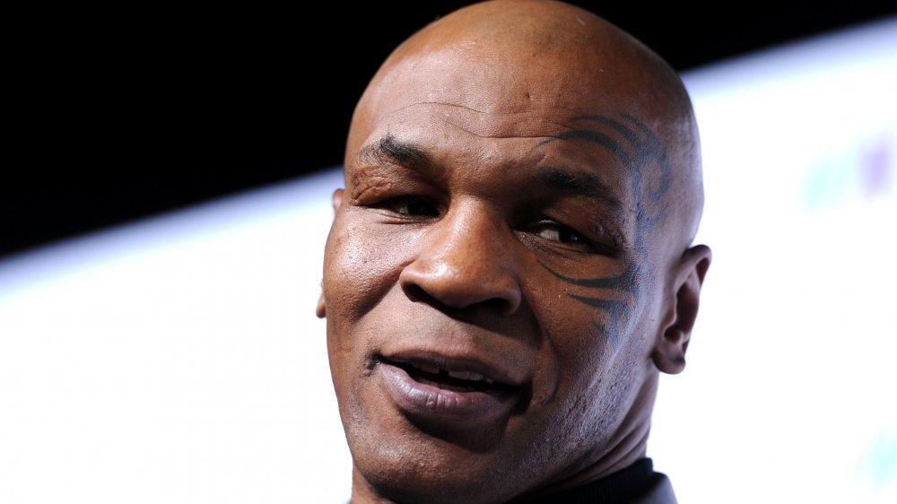Mike Tyson close up, tatouage de visage sur écran