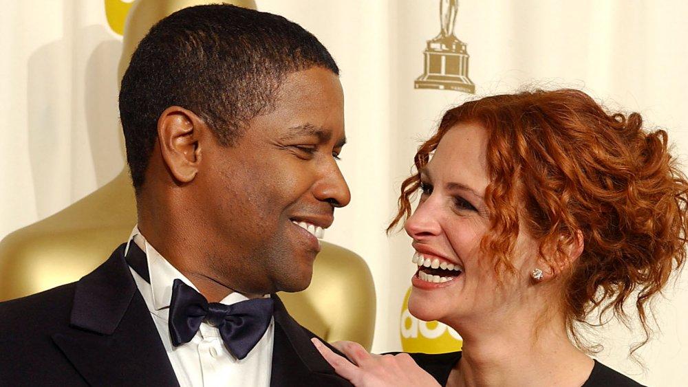 Denzel Washington et Julia Roberts à la 74e cérémonie des Oscars