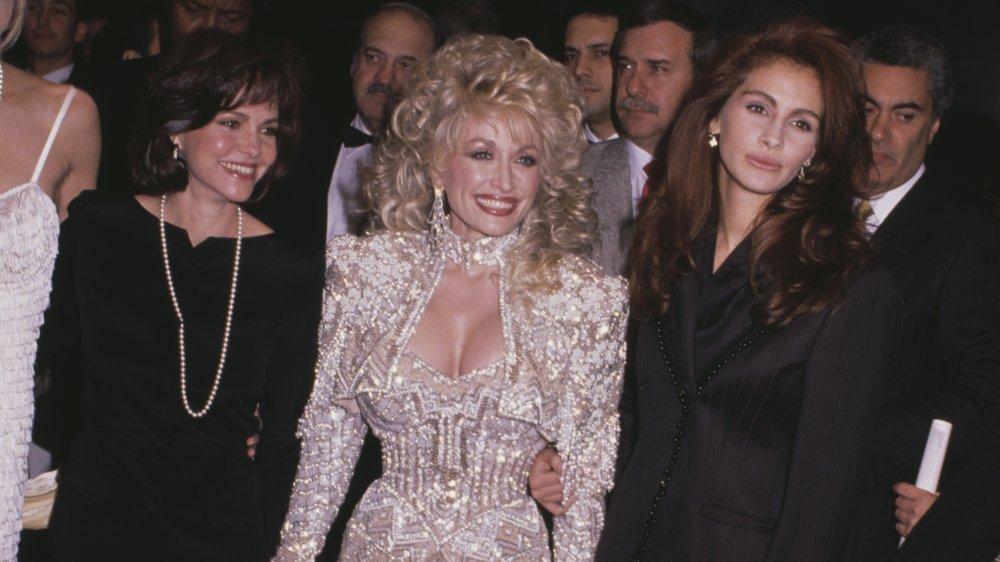 Sally Field, Dolly Parton, Julia Roberts lors de la première de Steel Magnolias en 1989