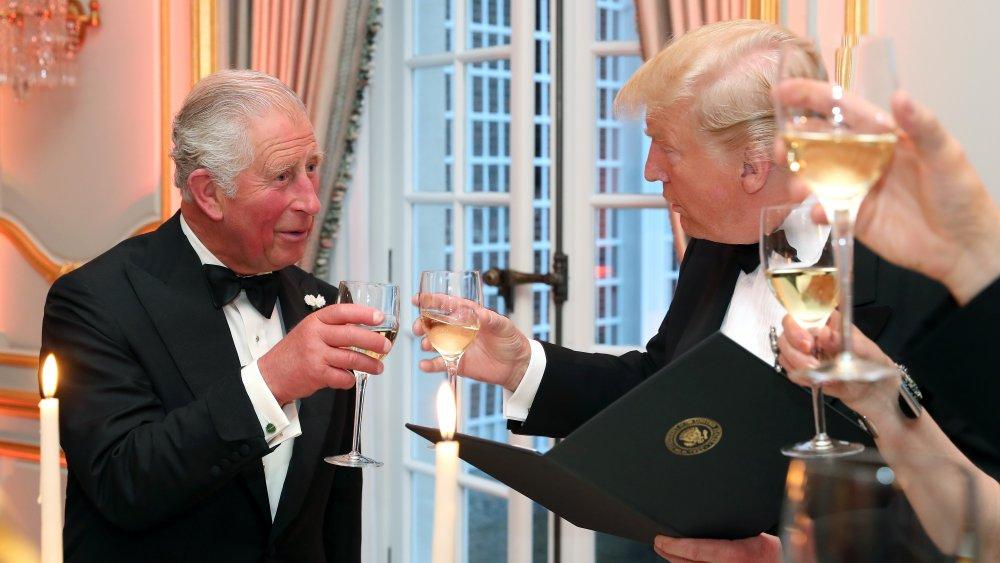 Le prince Charles et Donald Trump ont un toast