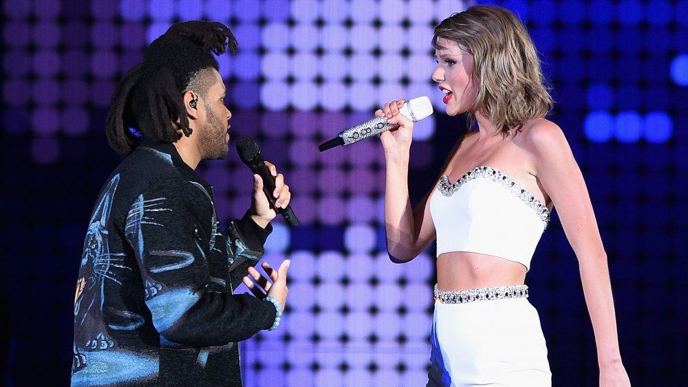 The Weeknd et Taylor Swift lors de son World Tour Live 1998 à East Rutherford, NJ.