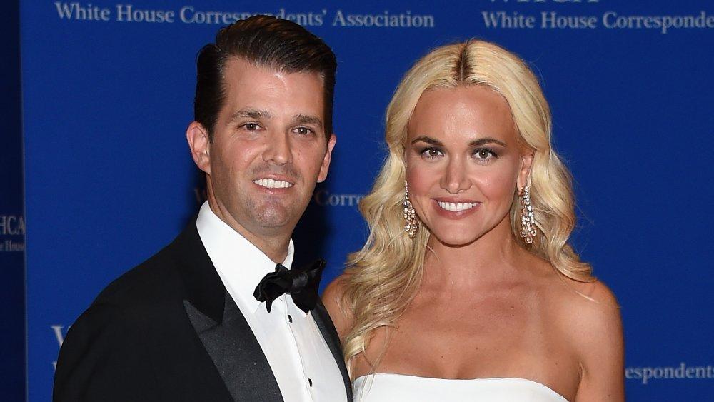 Donald Trump Jr.(L) et Vanessa Trump assistent au 102e dîner de l'Association des correspondants de la Maison Blanche