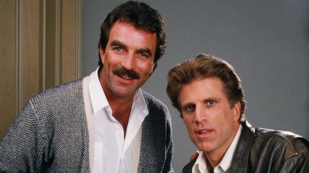 Tom Selleck et Ted Danson posant pour un portrait en 1988