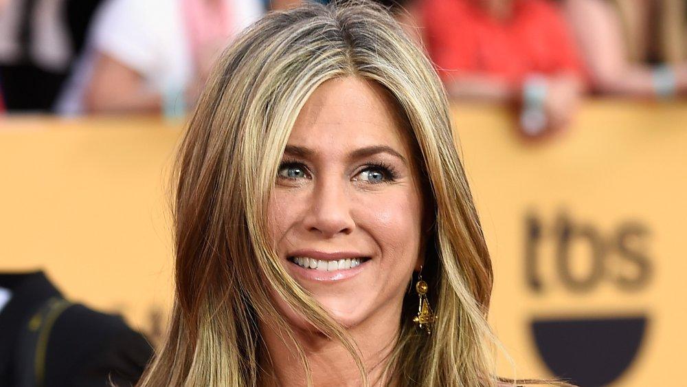 Jennifer Aniston souriante aux SAG Awards 2015