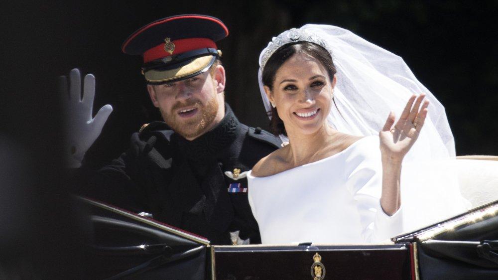 Le prince Harry et Meghan Markle en calèche le jour de leur mariage en 2018