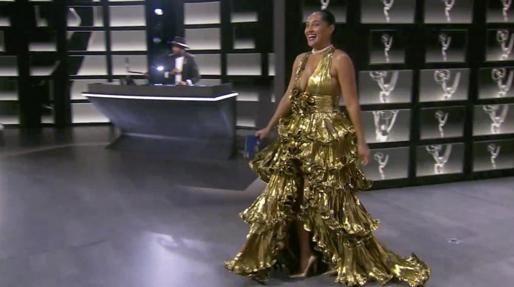 Tracee Ellis Ross dans une robe en or