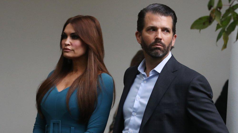 Donald Trump Jr. et Kimberly Guilfoyle lors d'une conférence à la Maison Blanche