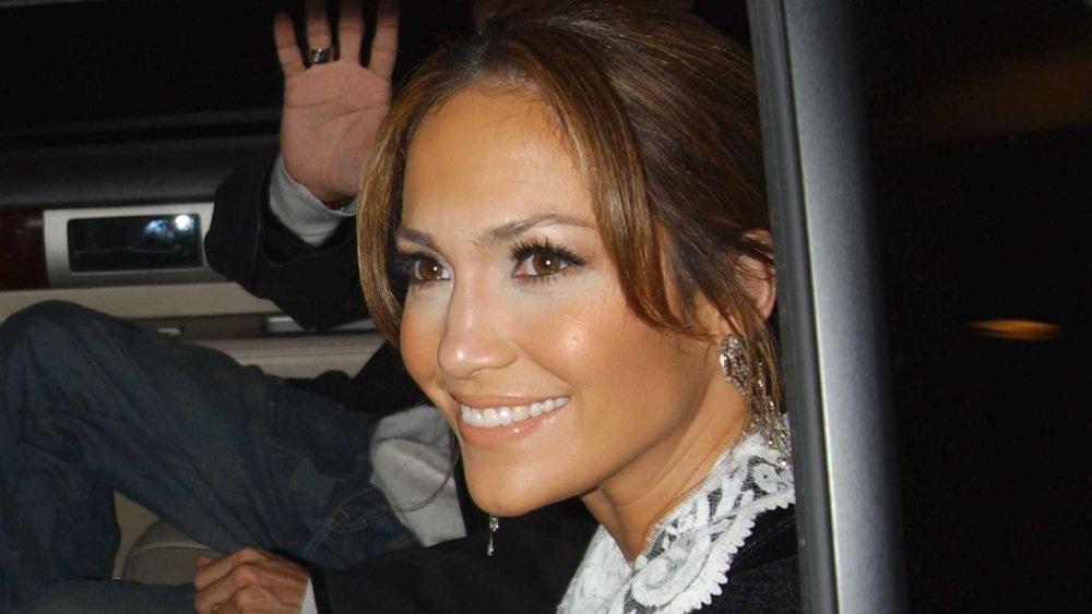 Jennifer Lopez étant chauffered