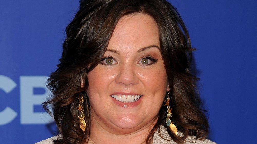 Melissa McCarthy souriant à un événement CBS
