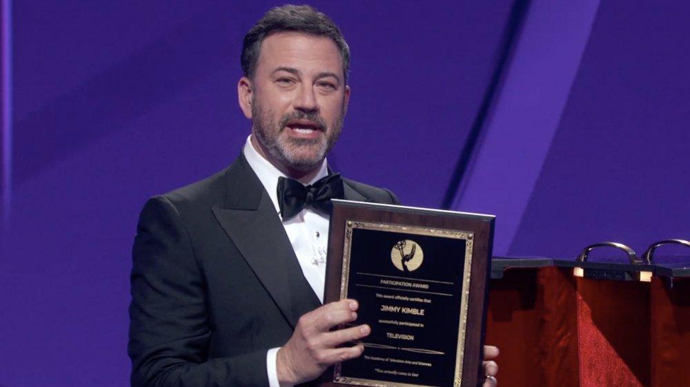 Jimmy Kimmel parlant sur scène