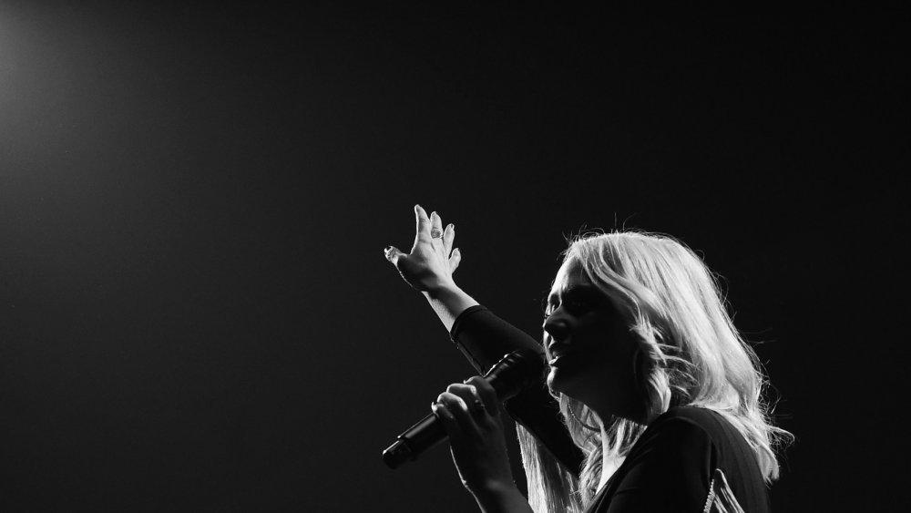Miranda Lambert chantant