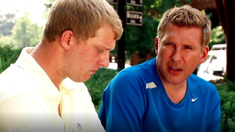 Kyle Chrisley et Todd Chrisley dans une scène de Chrisley Knows Best