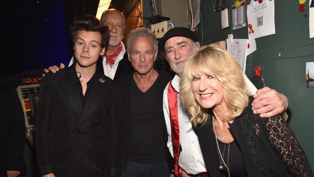 Harry Styles avec Mick Fleetwood de Fleetwood Mac, Lindsey Buckingham, John McVie, Christine McVie
