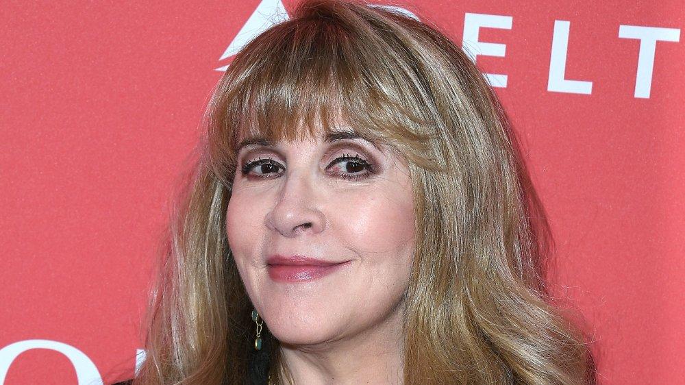 Stevie Nicks souriant