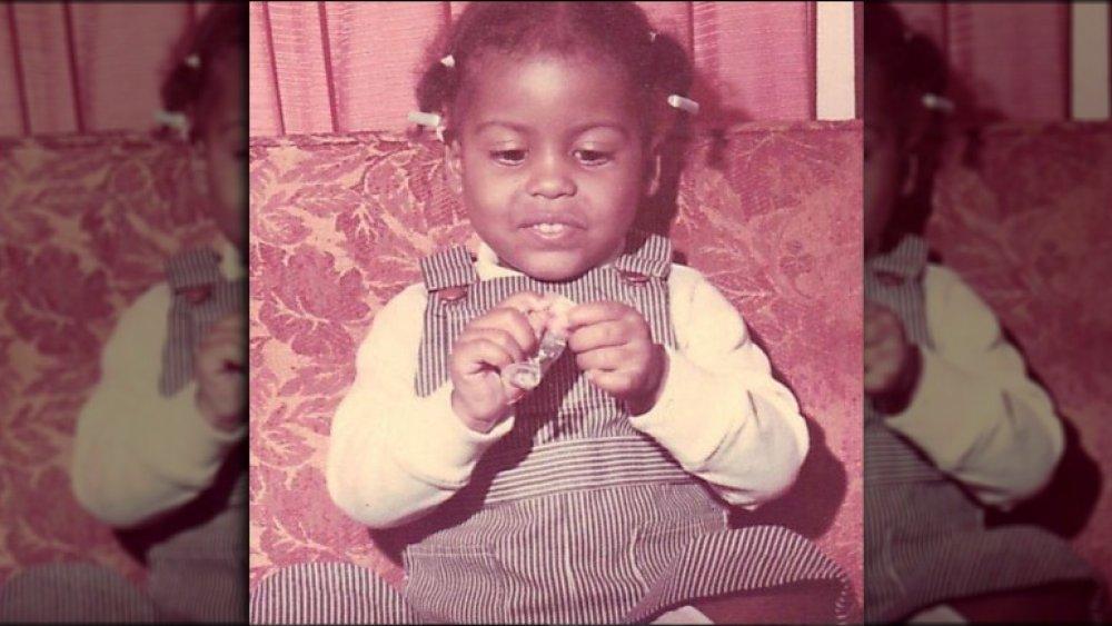 Tamron hall bébé photo 1972