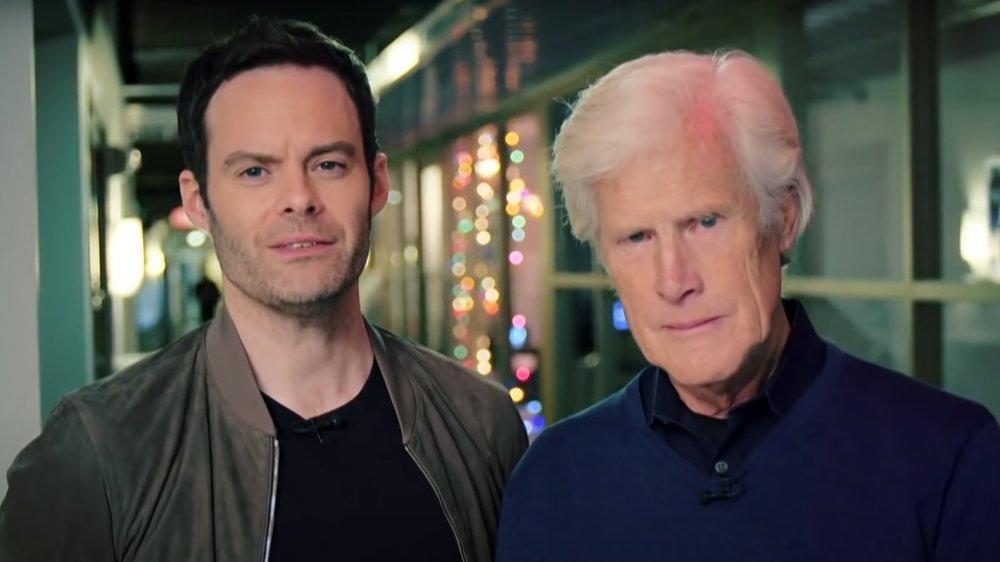 Bill Hader et Keith Morrison ont l'air sérieux dans une interview de Sunday Today