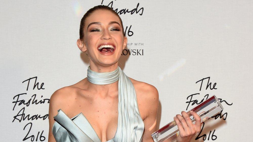Gigi Hadid aux Fashion Awards 2016