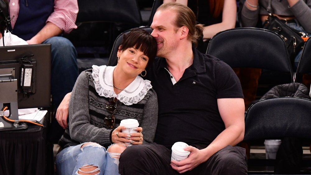 Lily Allen et David Harbour à un match des New York Knicks et des New Orleans Pelicans