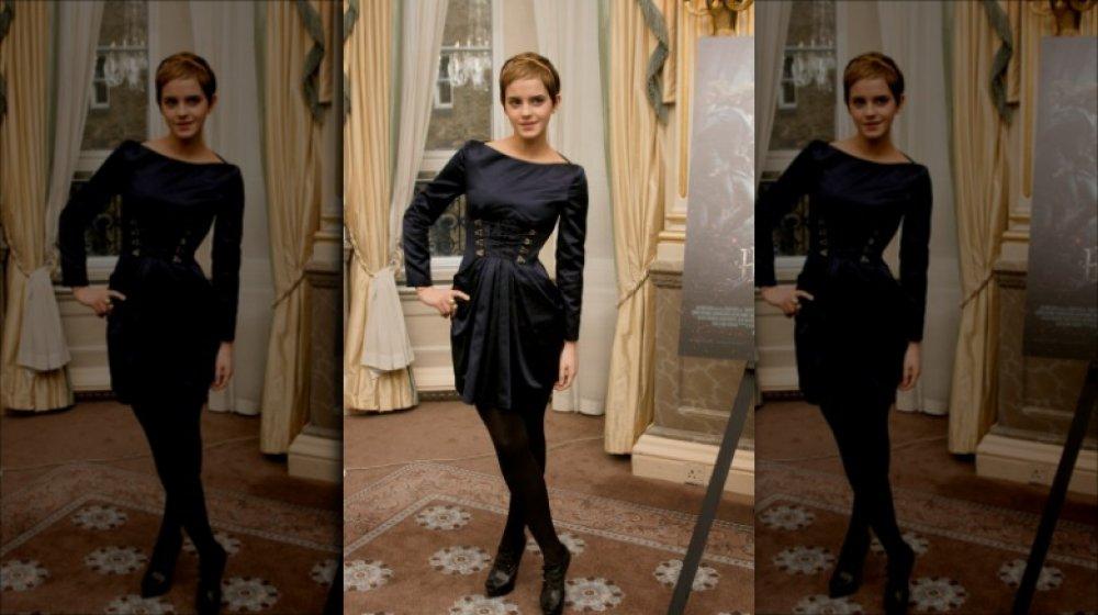 Emma Watson exhibant sa coupe de cheveux de lutin