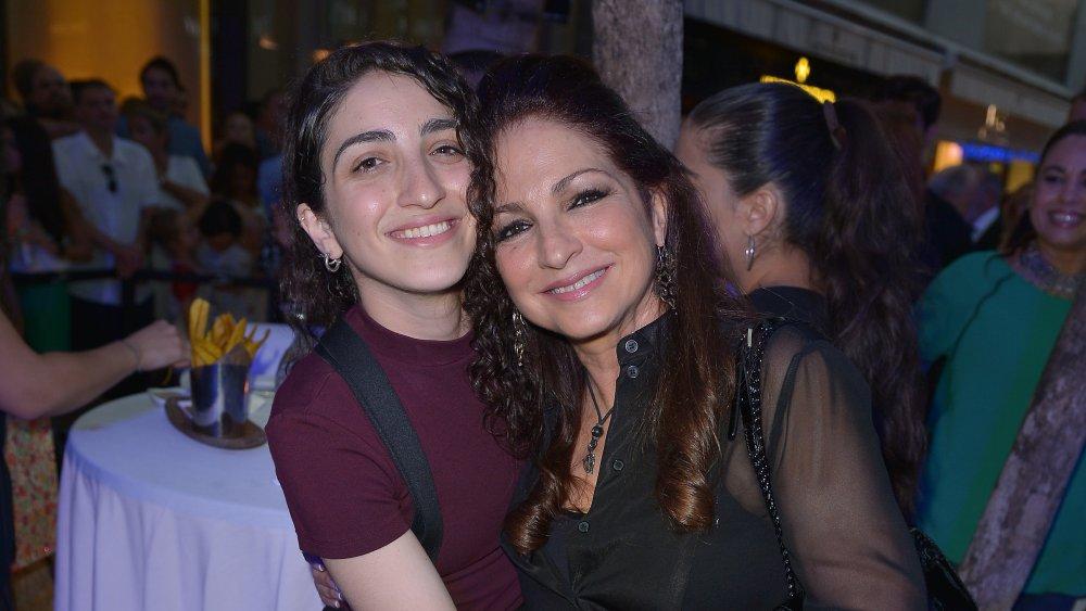 Emily et Gloria Estefan