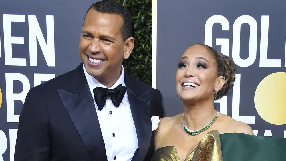 Jennifer Lopez et Alex Rodriguez en riant