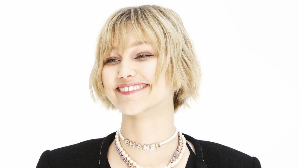 Grace VanderWaal souriant