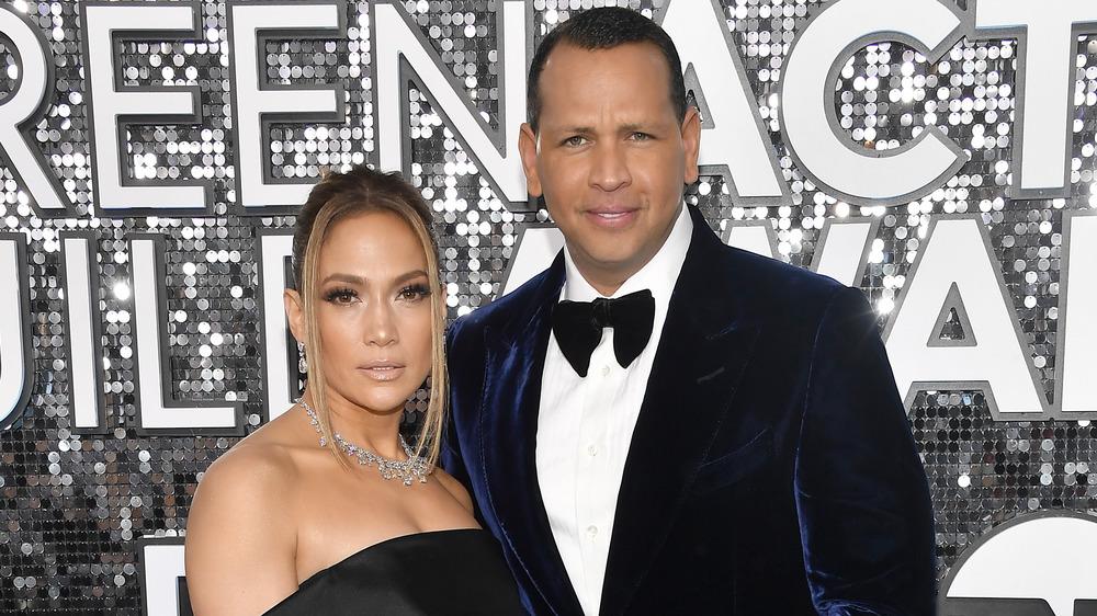 Jennifer Lopez et Alex Rodriguez posant
