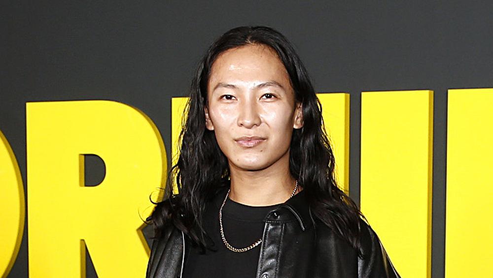 Alexander Wang posant