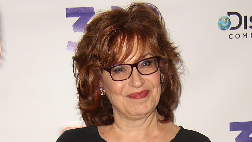 Joy Behar pose lors d'un événement