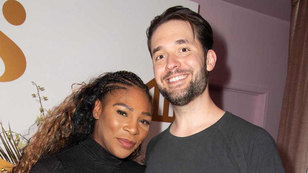 Serena Williams et Alexis Ohanian Sr. souriant