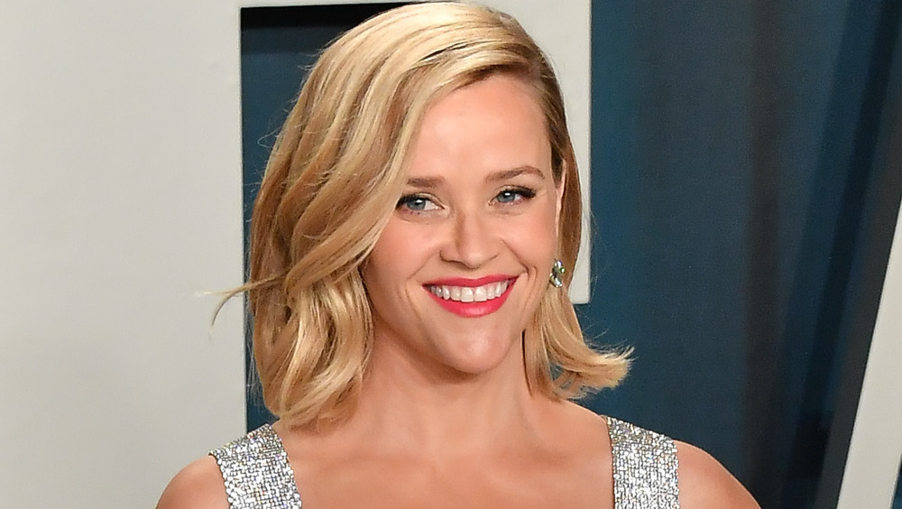 Reese Witherspoon souriant