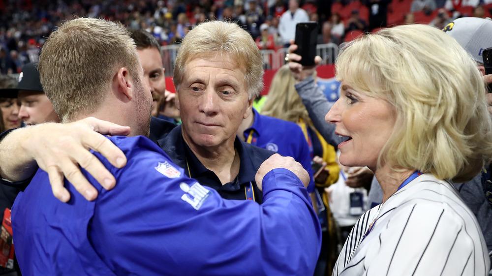 Sean McVay avec ses parents au match