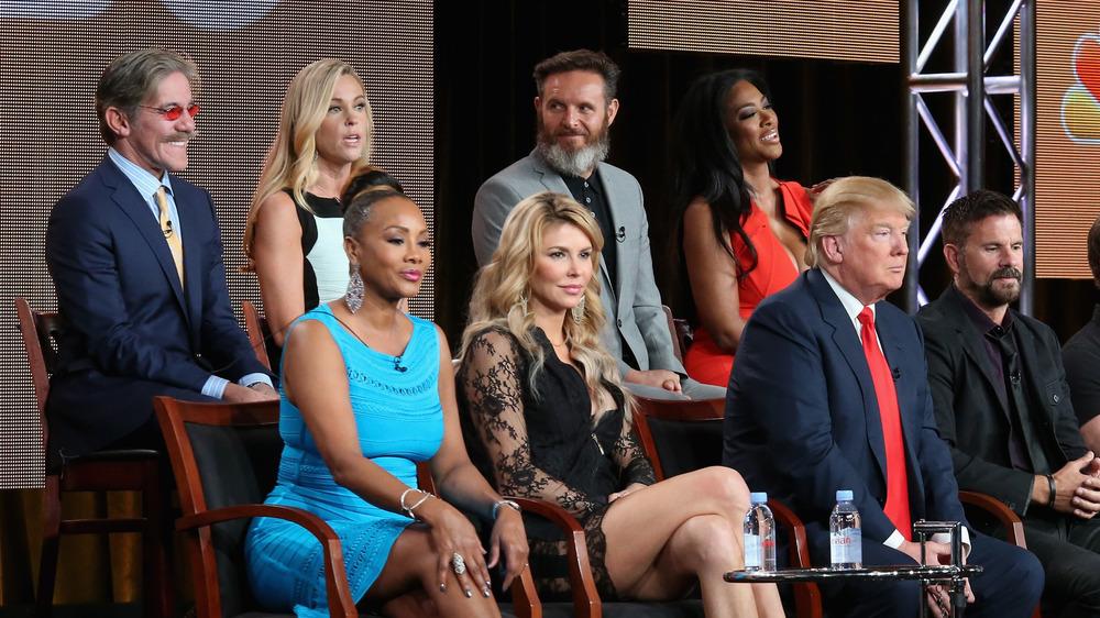 Geraldo Rivera et Donald Trump dans une photo de groupe NBC