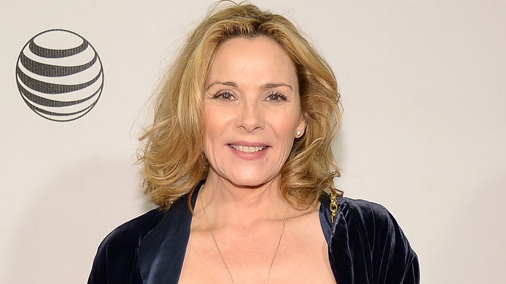 Kim Cattrall souriant