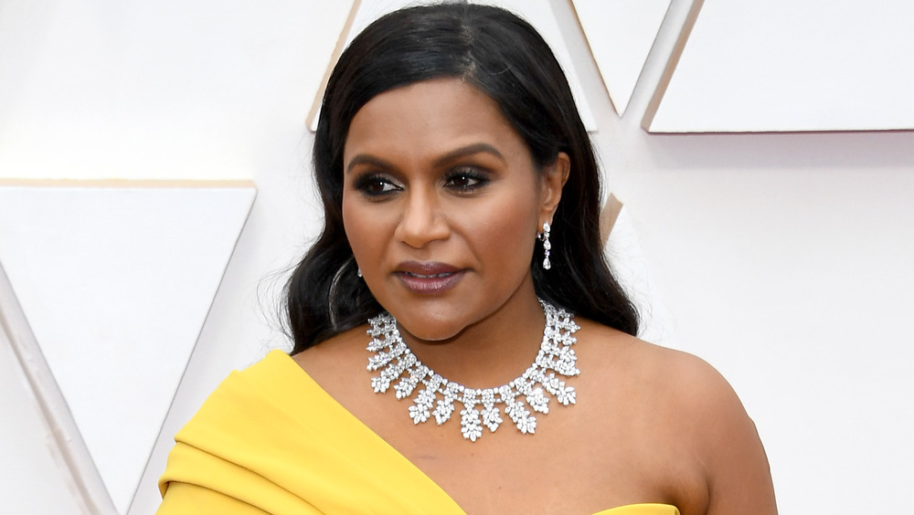Mindy Kaling souriant