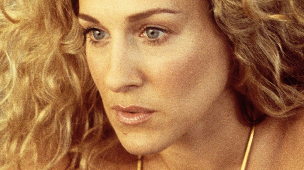 Sarah Jessica Parker comme Carrie Bradshaw dans Sex and the City