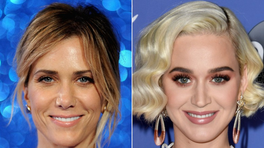 Katy Perry et Kristen Wiig souriant