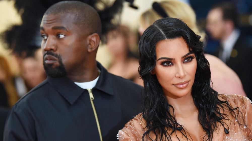 Kim Kardashian-West, Kanye West, posant