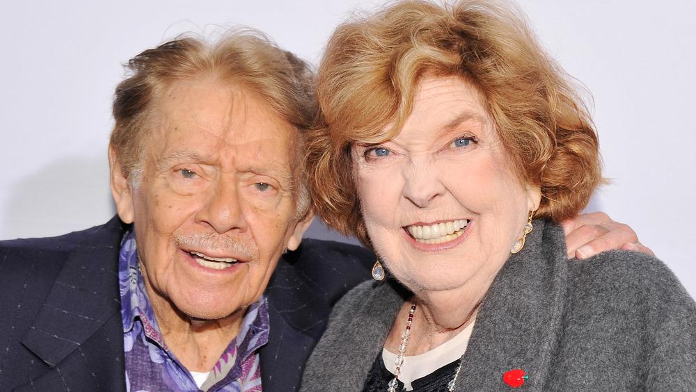 Jerry Stiller et Anne Meara souriant