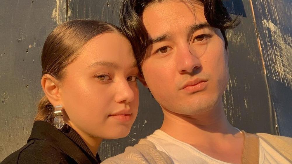 Emilija Baranac et Issey Lamb posant pour un selfie sur Instagram