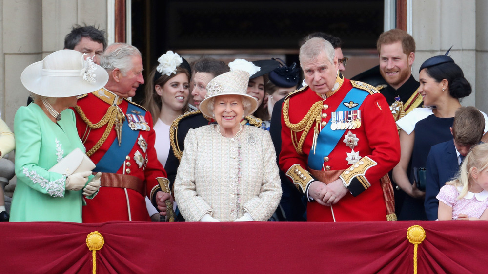 Les membres de la famille royale apparaissent ensemble au défilé annuel de la reine en 2019