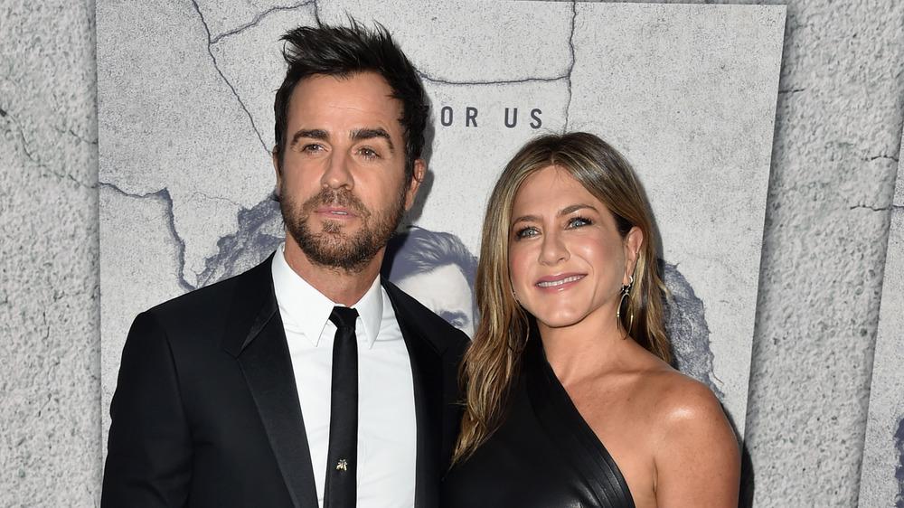 Justin Theroux et Jennifer Aniston portent tous les deux du noir lors d'un événement