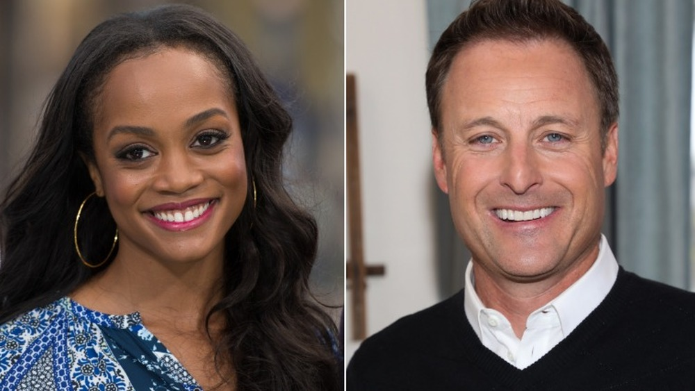 Rachel Lindsay pose et Chris Harrison sourit