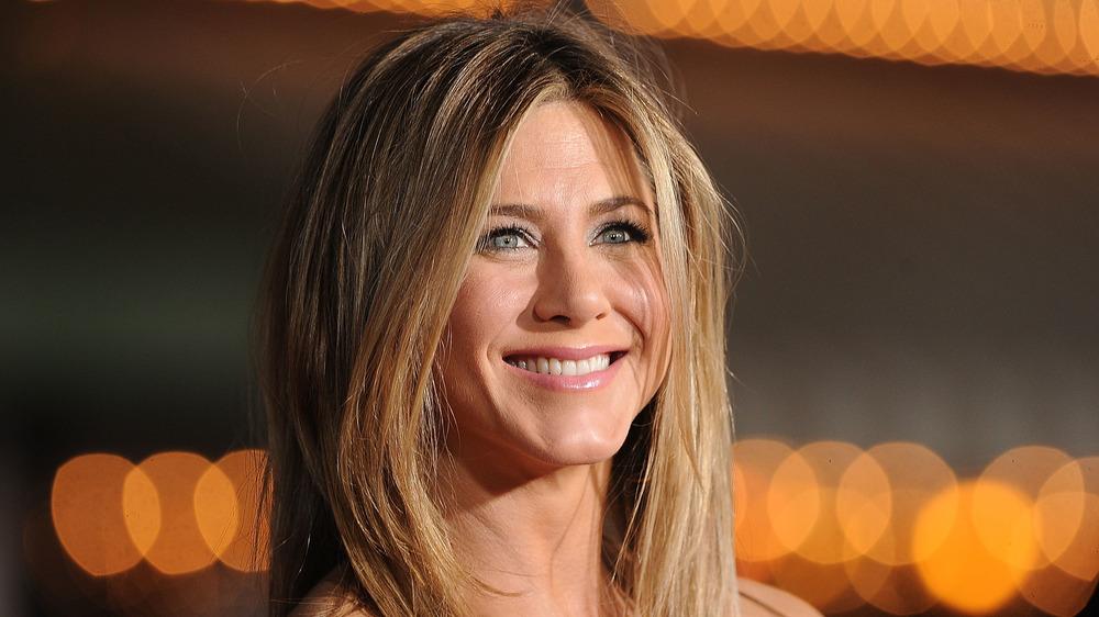 Jennifer Aniston souriant lors d'un événement
